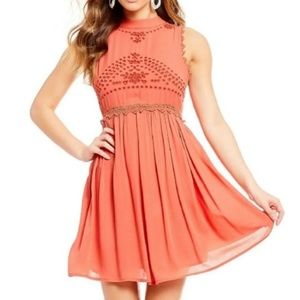 New Coco + Jaimeson Orange Woven Mini Dress. Sz M